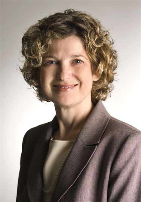 Kelley Mba by Iu Kelley School Of Business Names Idalene Kesner Dean