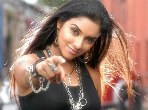 wallpaper girl bollywood celebrities bollywood hot actress wallpapers and pictures