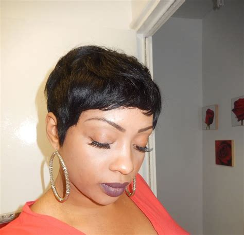 black women with 29 peice hairstyle pixie short wig using 27 piece hair black hair