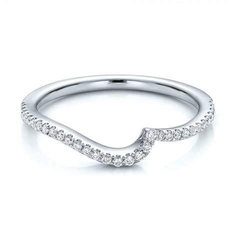 contemporary curved shared prong wedding band 100410