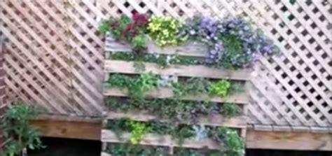 diy recycled pallet vertical garden icraftopia