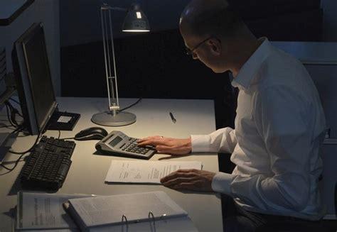 wann kann arbeitnehmer fristlos kündigen wann arbeitgeber 220 berstunden anordnen k 246 nnen personal