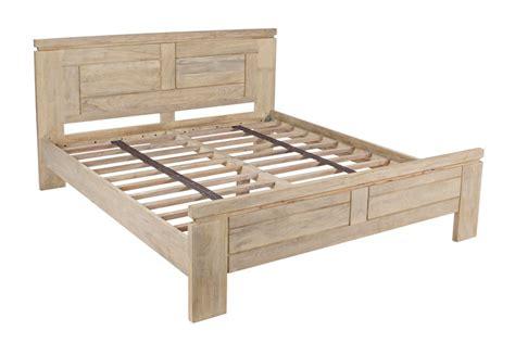 letti country in legno letto matrimoniale country chic mobili provenzali on line