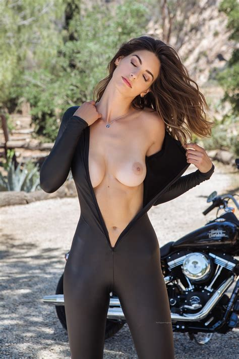 Lis Giolito Nude Sexy 12 Photos TheFappening