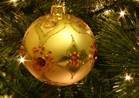 file christmas tree bauble jpg