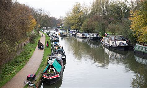 small boat licence uk argy bargey rowers claim canal boat moorings will block