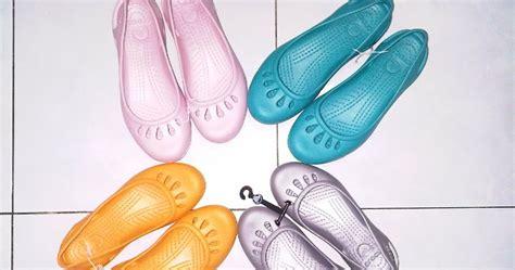 Sepatu Sandal Crocs Asli best daftar harga motor honda foto artis baru 2015 harga
