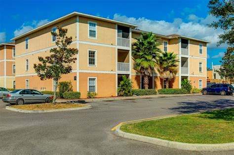 section  housing  apartments  rent  tampa