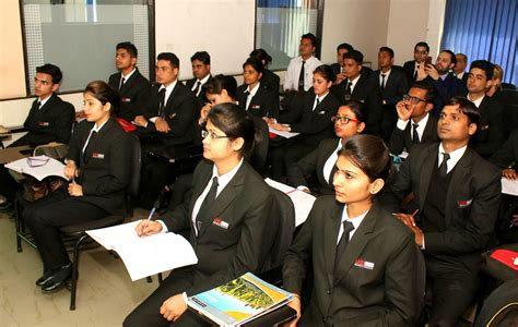 Bba Mba Hotel Management Institute Rohini Uei Global Delhi 110085 by Best Bba College Jalandhar Top List Bba Institutes Jalandhar