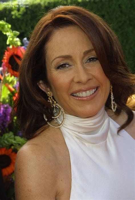 deb hairstyle on everyone loves raymond patricia heaton s over shoulder length mahogany hair with