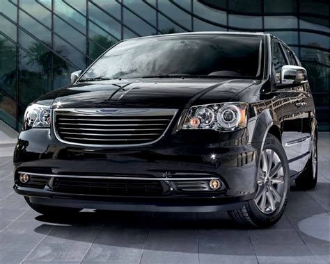 2015 chrysler jeep 2015 chrysler town country driving safely dodge ram