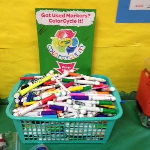 crayola color cycle crayola colorcycle it s easy being green