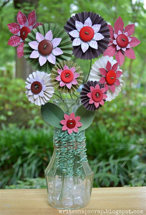write snap scrap how to curl twine vase of paper flowers