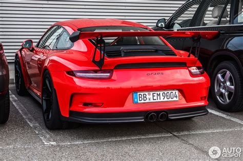 lava orange porsche porsche 991 gt3 rs looks convincingly awesome in lava orange