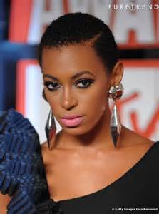 coupe courte afro femme