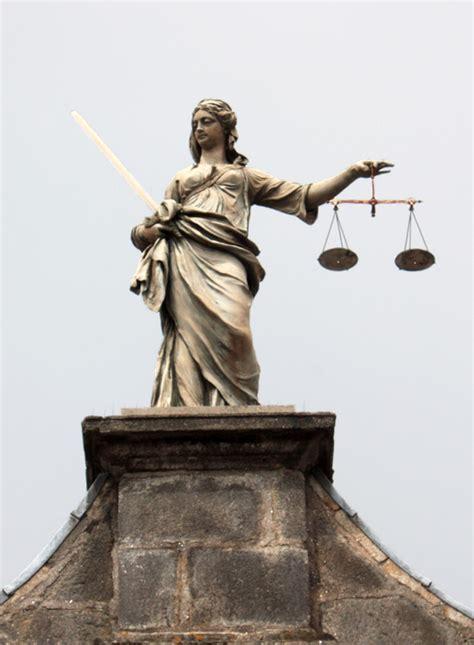 imagenes donde se imparte justicia escultura que representa a la justicia entrada al