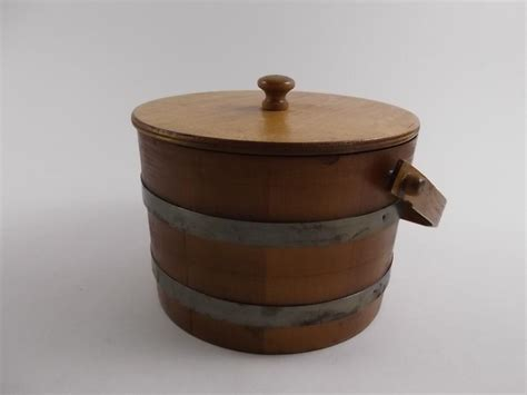 vintage basketville wood basket hinged lid children vintage basketville putney vt primitive wooden firkin