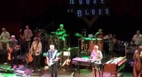 Buffett Performs At The Hob In Chicago Buffettnews Com Jimmy Buffet Chicago