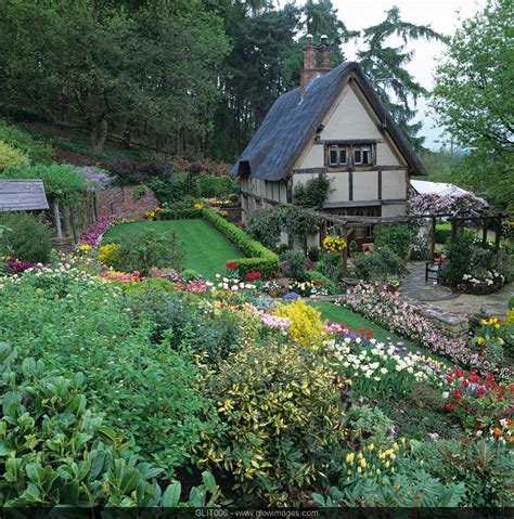 cottages gardens cottage gardens images sweet homes room