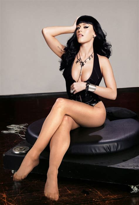 fakes miley cyrus selena gomez lindsay lohan etc poringa katy perry s legs and feet 23 sexiest celebrity legs and feet