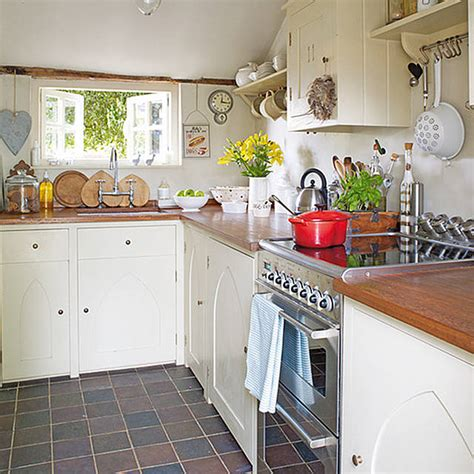 country cottage kitchen decor cottage of the week country cottage home bunch