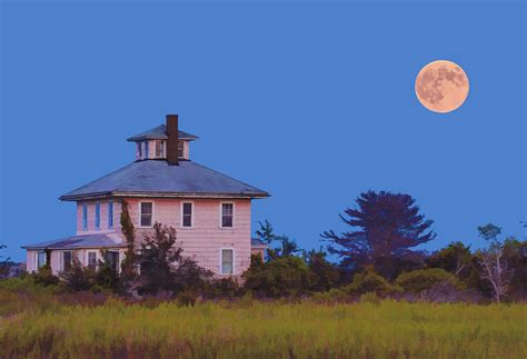 old pink house old pink house and full moon newburyport massachusetts photograph by jim fenton