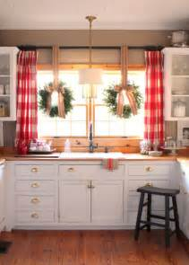 Kitchen Windows Decorating 40 Elements To Utilize When Creating A Farmhouse Kitchen