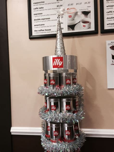 holiday illy tree at the coffee house edison nj winter