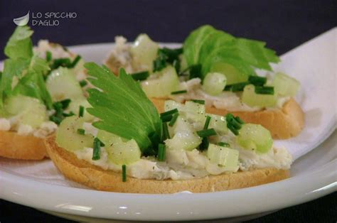 antipasti con sedano ricetta crostini sedano e gorgonzola le ricette dello