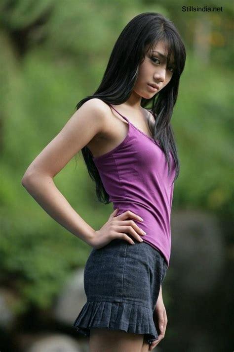 Model Indonesia beautiful model dina aulia india model