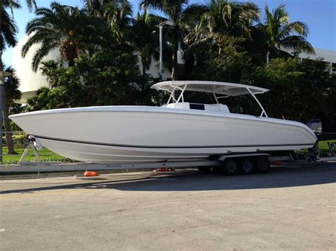 huge center console boats new powerplay 42 foot center console boasts massive cabin