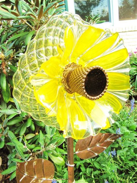 plate flowers garden 1000 ideas about glass garden flowers on