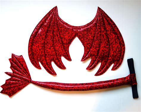 la cola de dragn red dragon wings and tail set red metallic red dragon