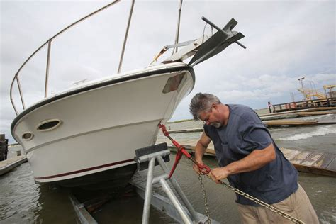 boat crash dauphin island gordon slams gulf coast with tropical force winds rain