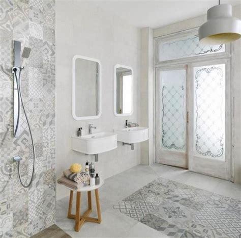 Badezimmer Dekorfliesen by Dekorfliesen Badezimmer
