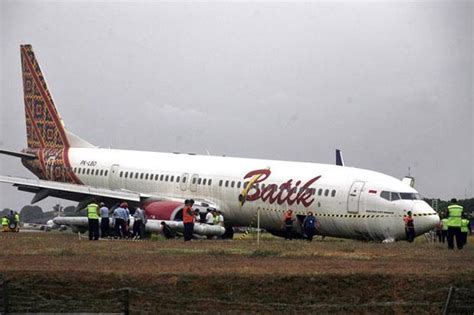 batik air adisucipto lion air plane in jakarta runway collision no casualties