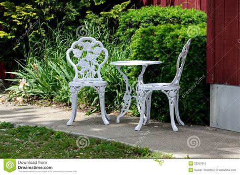 Metal Outdoor Table And Chairs Stock Photo   Image: 32257610