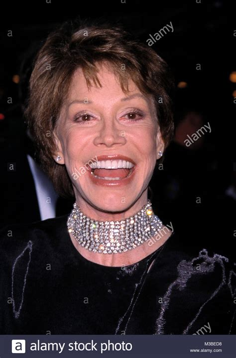 mary tyler moore picture 19 opening night of the 4 mel stock photos 4 mel stock images alamy