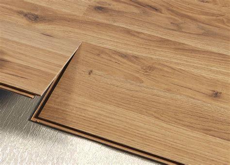 pavimenti flottanti in pvc come scegliere il pavimento flottante laminato o pvc