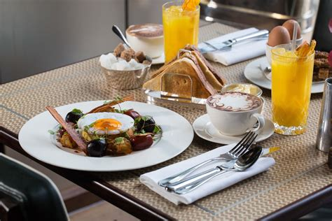 brunch table setting one canada square are bringing the city boy breakfast