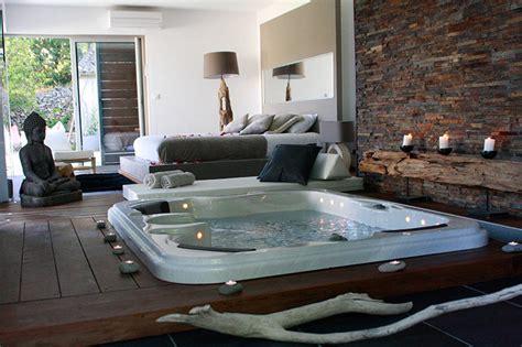 hotel avec piscine priv馥 dans la chambre photo chambre d h 244 tes languedoc dans le sud de