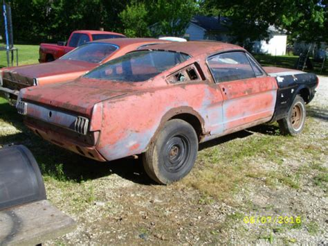 1965 mustang project car for sale 1965 ford mustang fastback 4 speed project parts car 1966