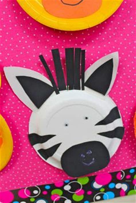 Zebra Paper Plate Craft - paper plate zebra