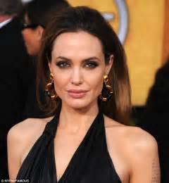 celebrity pout pics bobbi brown slams contouring and insists women shouldn t