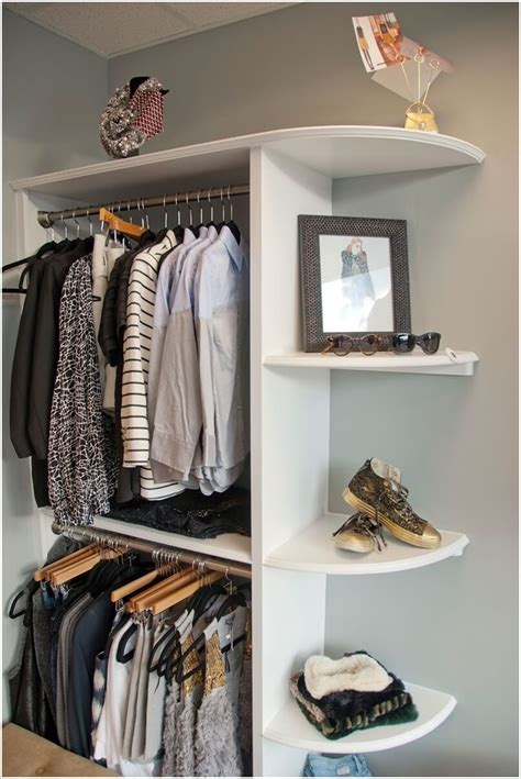 Diy Closet Design by 10 Cool And Clever Diy Corner Closet Ideas