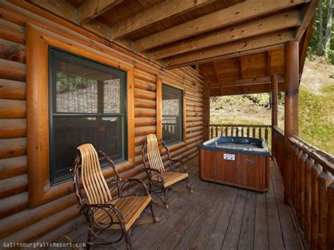 Gatlinburg Cabins With Tub by 17 Best Images About Gatlinburg Honeymoon Cabins On