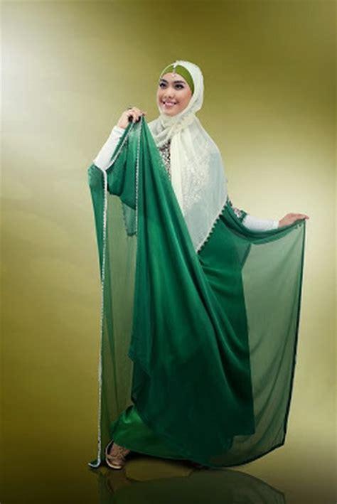 Baju Muslim Oki Setiana Dewi Osd Til Cantik Dan Anggun Dengan Gamis Syar I Ide Model