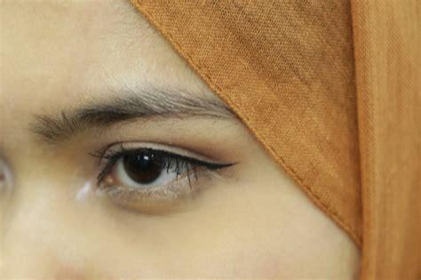 Eyeliner Pen Purbasari setelah lipstiknya sekarang coba eyeliner purbasari