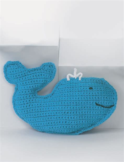 yarnspirations baby s friendly whale patterns