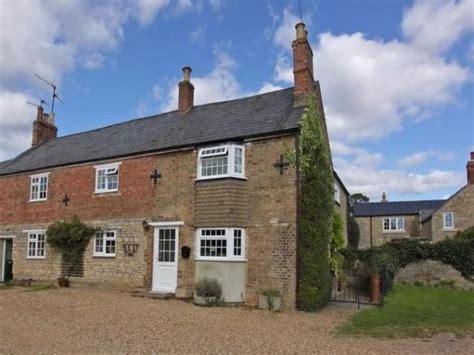 4 bedroom cottage for sale in vinco terrace elton